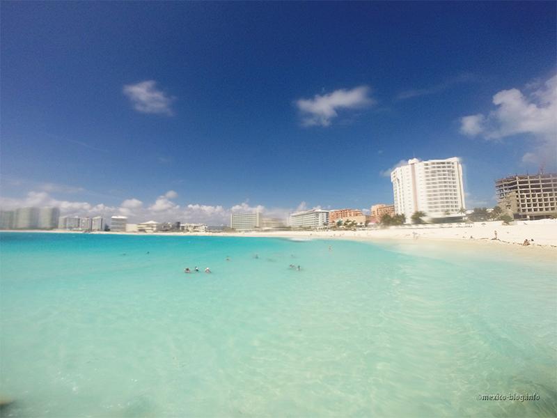 Канкун. Вид на пляж Гавиота Асуль